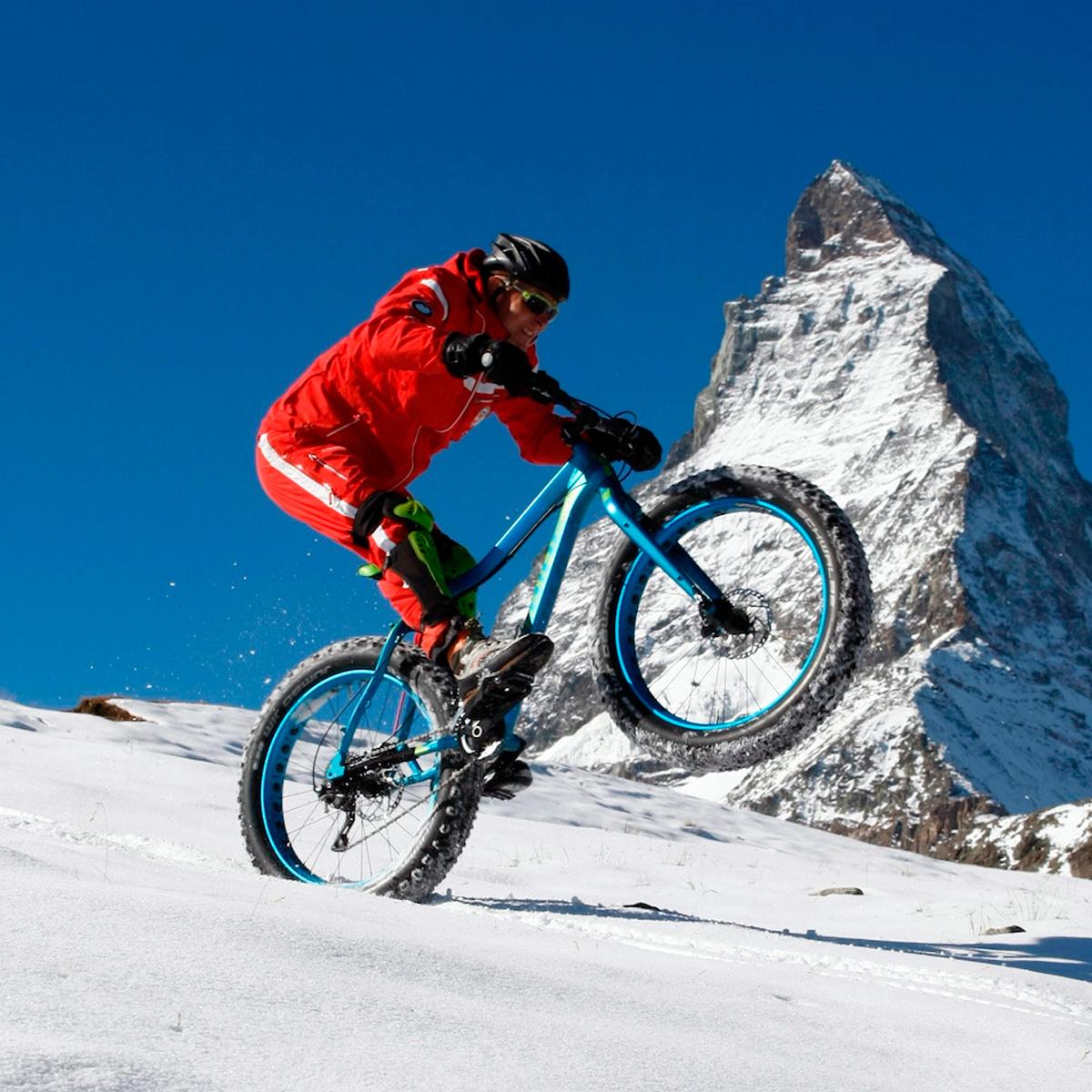 фэтбайк на снегу (зимой)