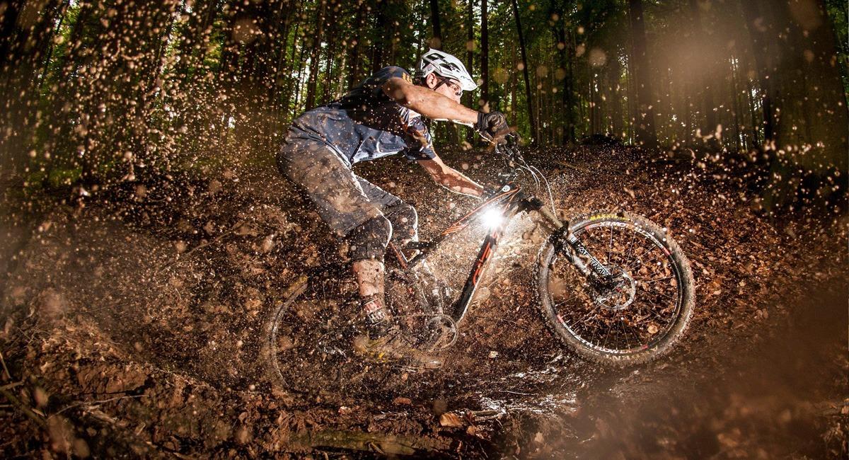 велосипед после катания в дождь по грязи