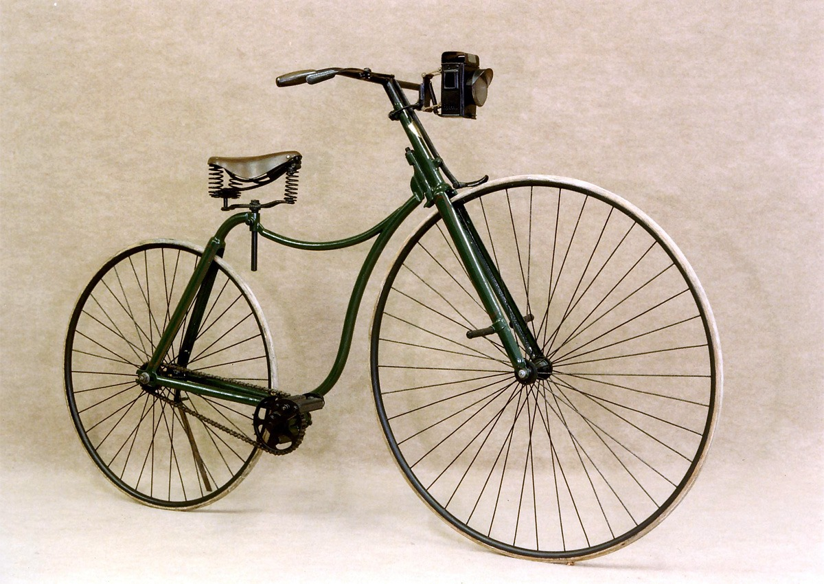 велосипед Rover 1885 года