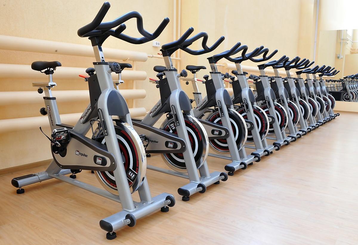 велотренажёры для спортивного (фитнес) зала