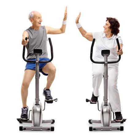 занятие на велотренажёре в пожилом возрасте